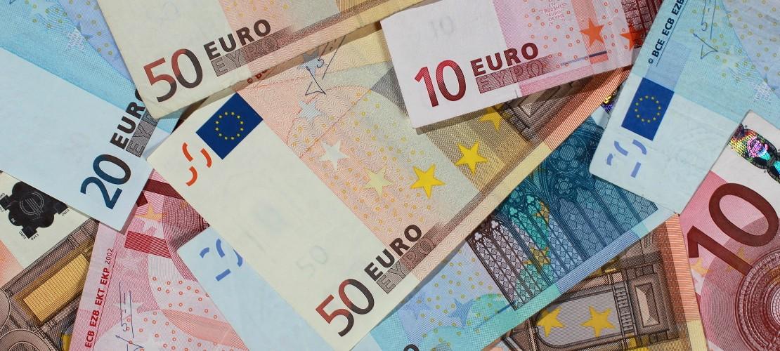 Jede Familie in Deutschland bekommt rund 200 Euro im Monat pro Kind. (Bild: dpa)