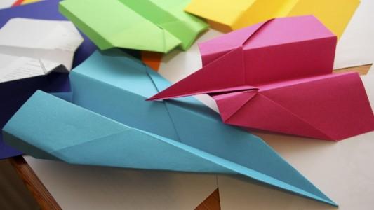 So geht der perfekte Papierflieger