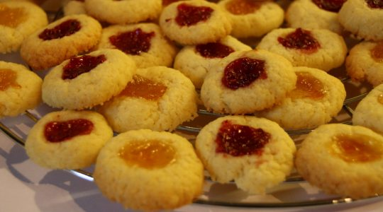 Weihnachtsbäckerei: Engelsaugen