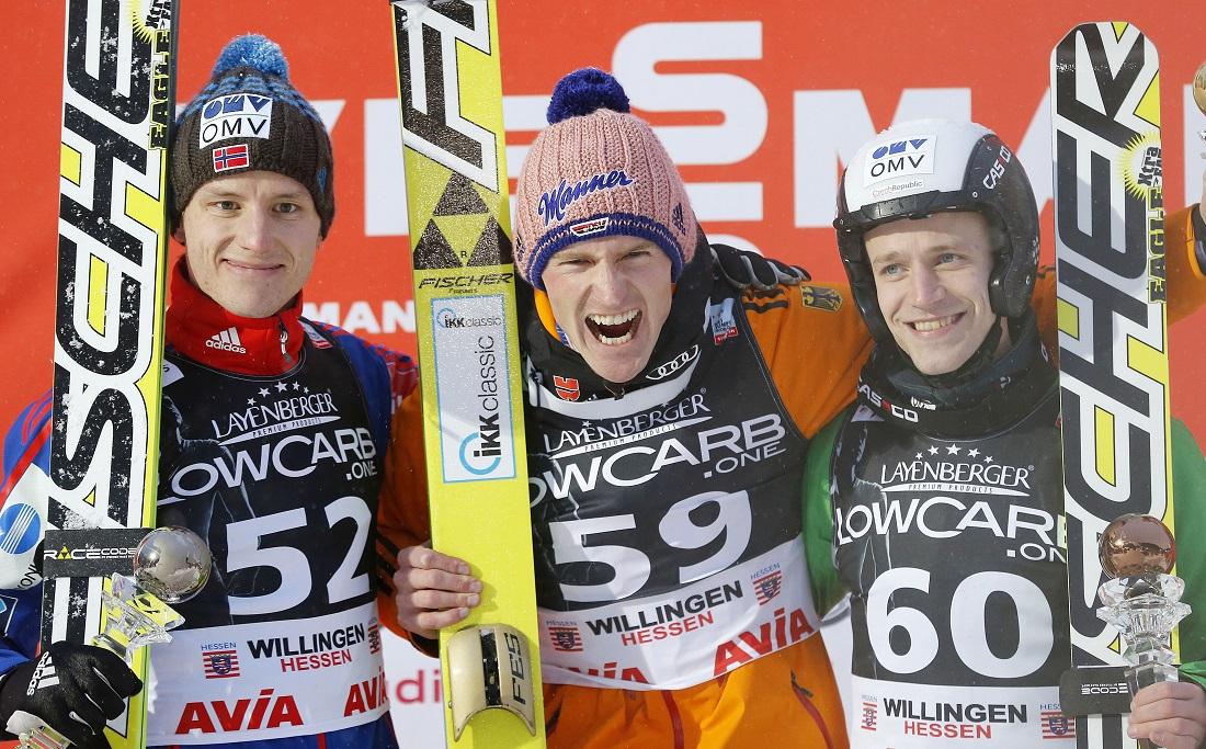 EInmal im Jahr reisen die besten Skispringer zum Weltcup-Skirspringen nach Willingen. Die Sieger in diesem Jahr: Severin Freund (Mitte) auf Platz 1. Rune Velta aus Norwegen (links) ist zweiter geworden, Roman Koudelka (Tschechische Republik) wurde dritter. (Foto: dpa)