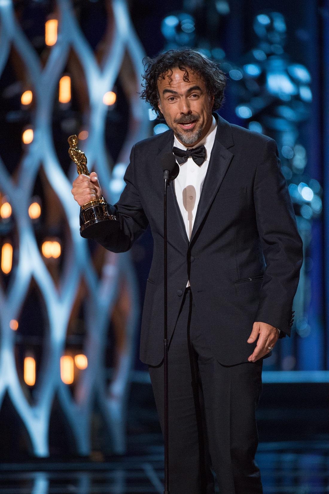"""Das ist Alejandro G. Inarritu, der Regisseur des Filmes """"Birdman"""". Er war bei der Oscar-Verleihung super erfolgreich. (Foto: dpa)"""