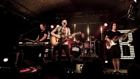Sie könnten auch bald die Bühne eurer Schule rocken: Die Kölner Band Cat Ballou. (Foto: Fabian Stuertz)