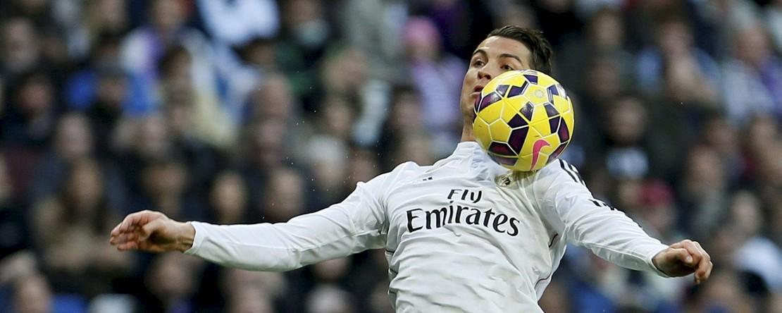 Immer nah am Ball: Weltfußballer Cristiano Ronaldo (Foto: dpa)