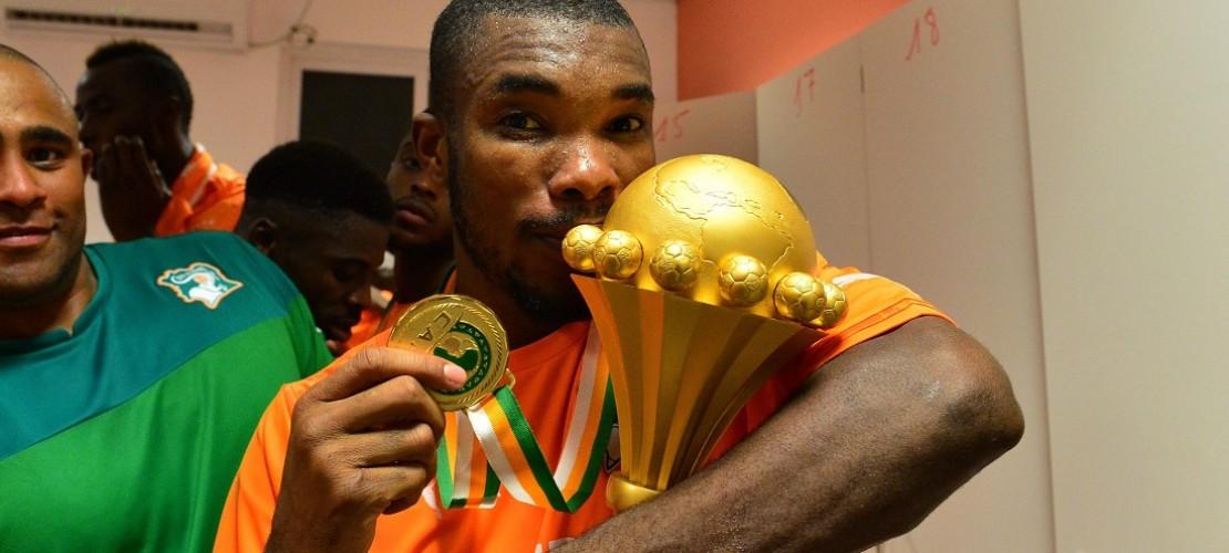 Dieser Fußballer aus der Elfenbeinküste spielt ab sofort in der Bundesliga. Vor Kurzem wechselte er zu dem Verein VfB Stuttgart. (Foto: dpa)