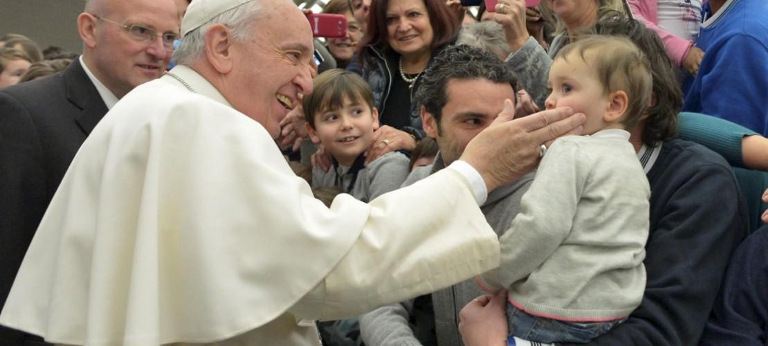 Einen kleinen Klaps fände er in Ordnung, hat der Papst gesagt.