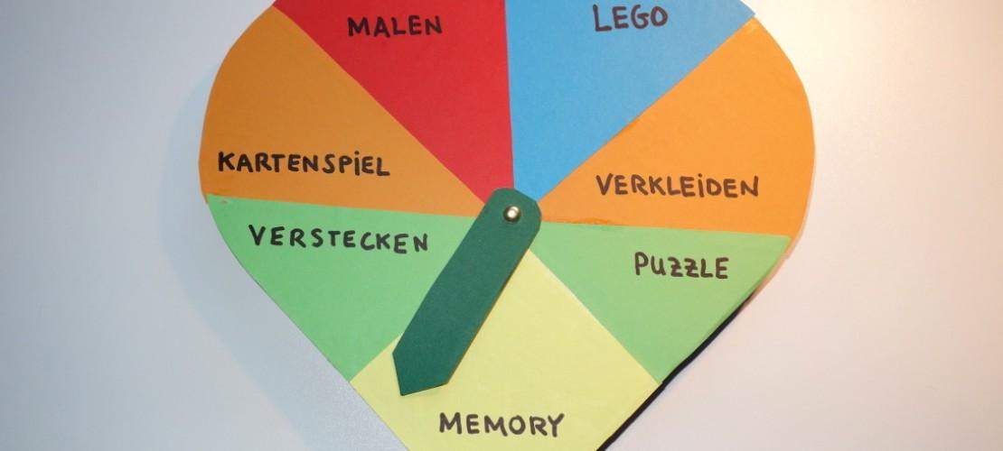 lieber Malen oder doch eher ein Puzzle machen? Weißt du manchmal nicht, was du spielen sollst? Da kann unser persönlich erfundenes Spielometer helfen. (Foto: Seiter)