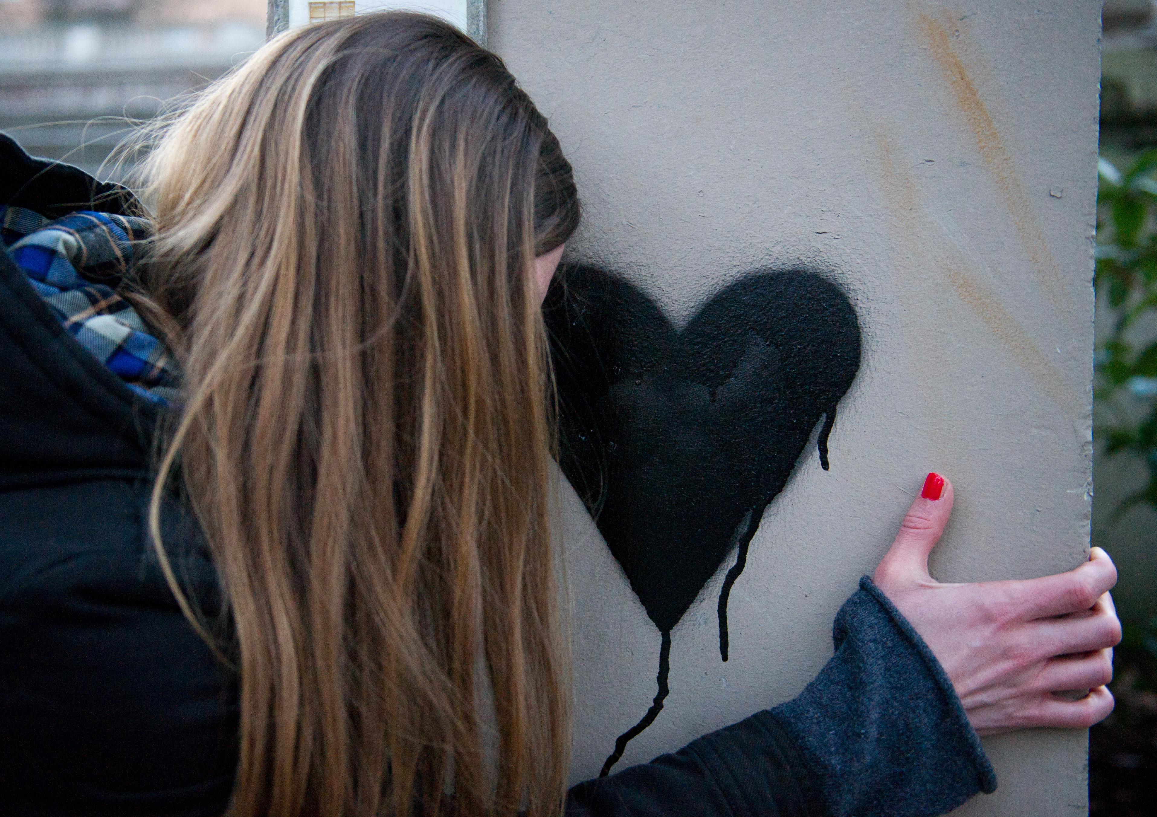 Wenn man erwachsen wird, dreht sich einiges auch um das Thema Liebe. (Foto: dpa)