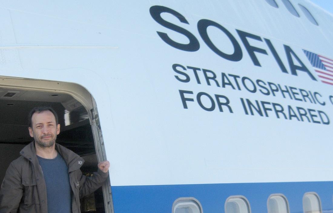 Frank Oßwald ist von vier Lehrern, die in die Stratosphäre geflogen sind. Dort gucken Sternen-Forschern bei der Arbeit zu. (Foto: dpa)