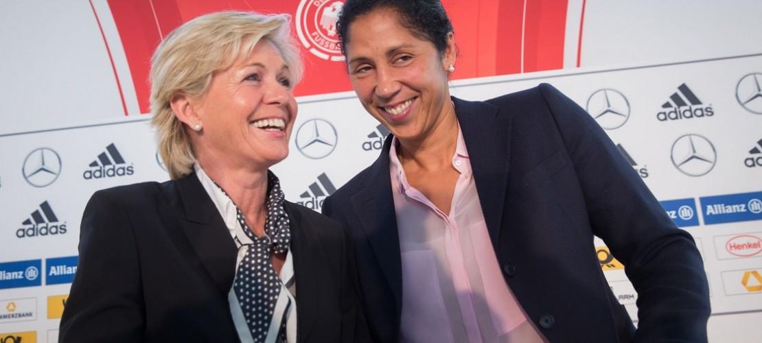 Momentan heißt die Trainerin der Fußballnationalmannschaft der Frauen Silvia Neid (links). Steffi Jones wird den Job im September 2016 übernehmen. (Foto: dpa)