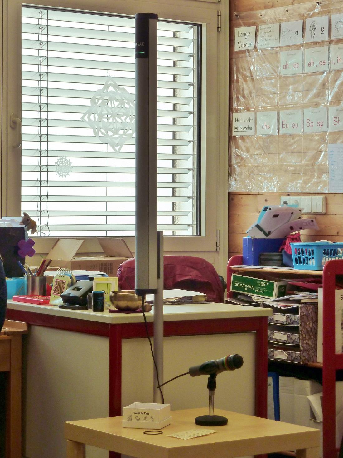 Ds ist eine Soundfield-Anlage. Solche Anlagen helfen den Schülern, die Lehrer besser zu verstehen. (Foto: dpa)