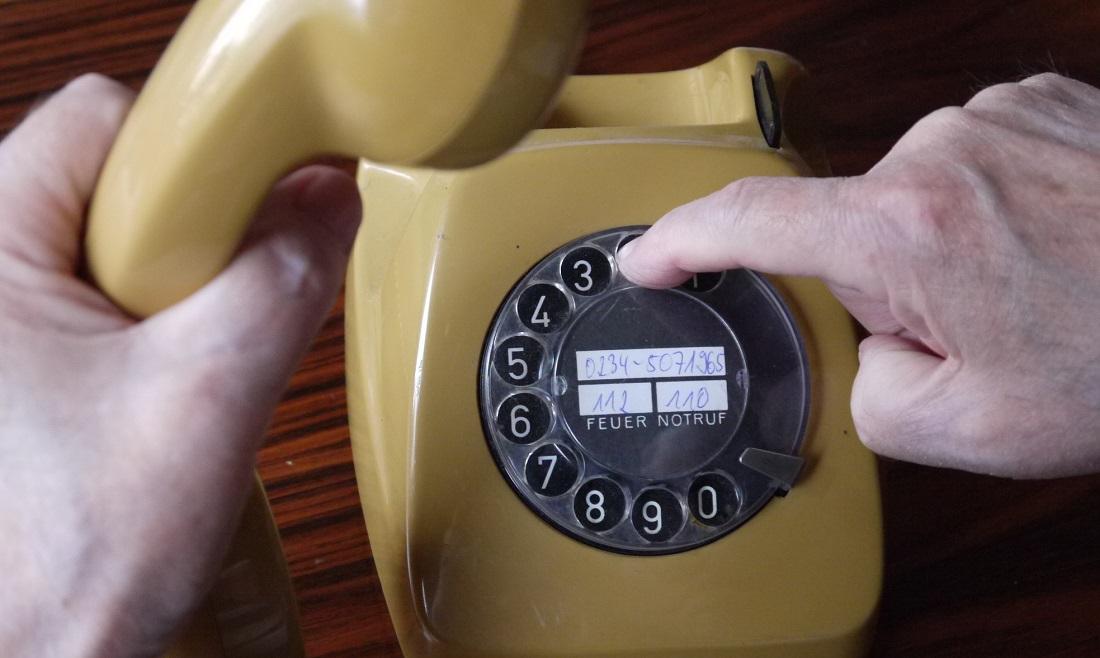 So sahen die Telefone noch vor etwa 30 Jahren aus. (Foto: dpa)