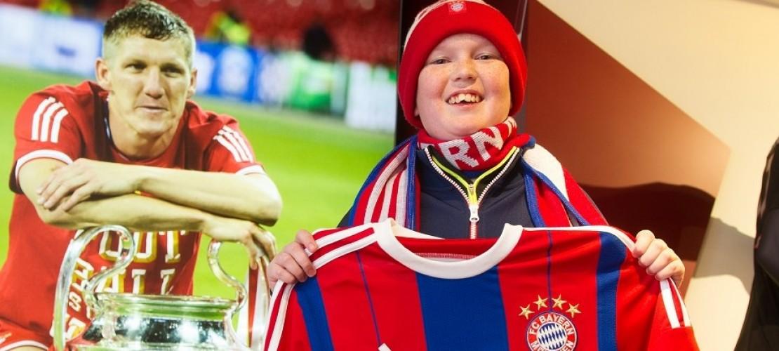 William ist Bayern-Fan. Bald darf er sich ein Spiel seiner Lieblingsmannschaft im Stadion ansehen. (Foto: dpa)
