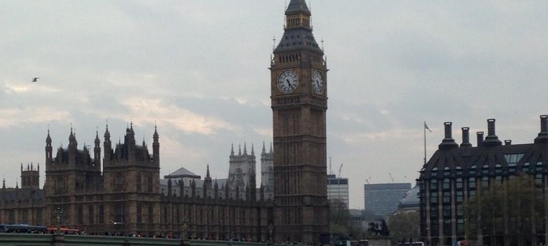 So funktioniert die parlamentarische Monarchie