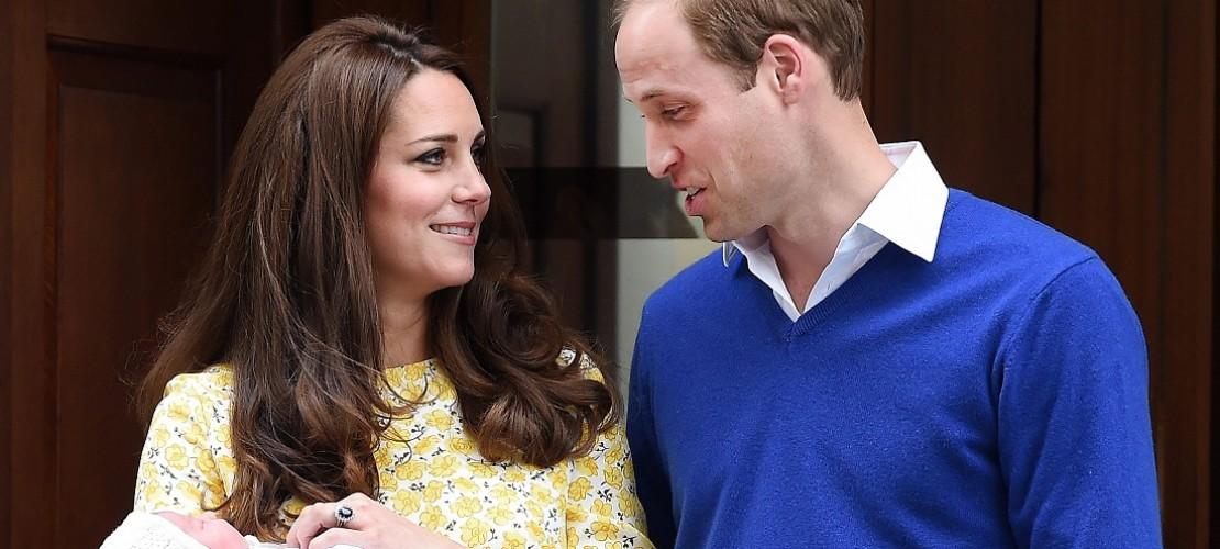 Bald schon nach der Geburt des Babys zeigten Prinz William von Großbritannien und seine Frau Catherine ihr Baby. (Foto: dpa)