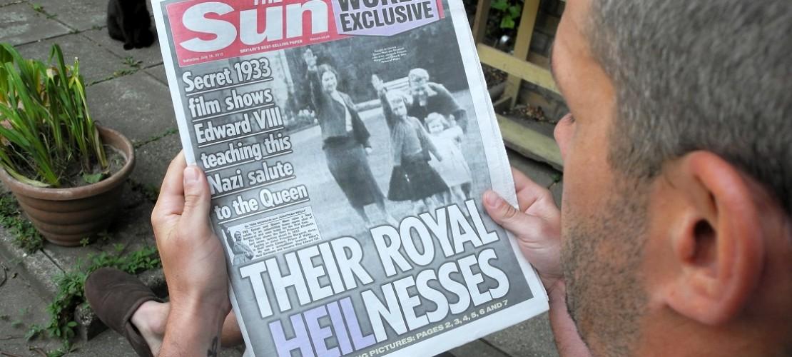 Auf dem Foto ist ein Bild aus dem Video zu sehen, dass die Königin als Mädchen zeigt. (Foto: dpa)