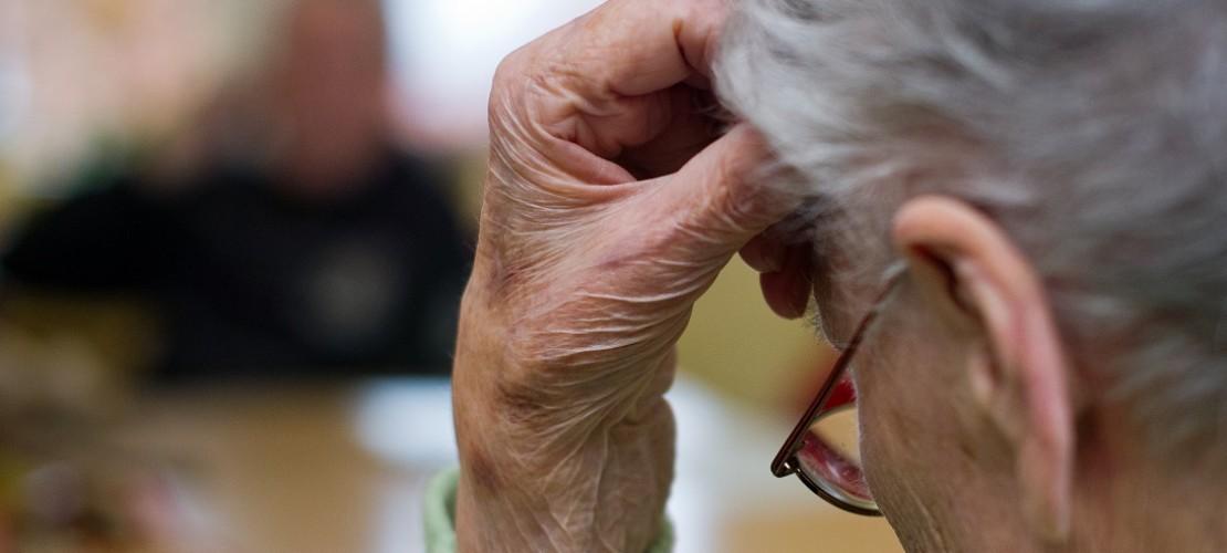 Die Krankheit Demenz haben vor allem alte Menschen. (Foto: dpa)