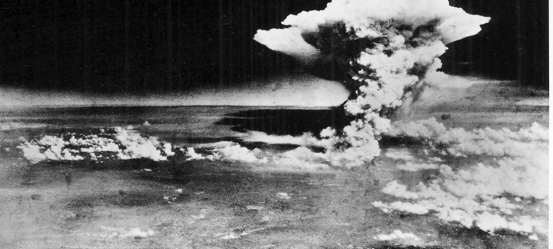 Das Foto zeigt, wie die Atombombe in Hiroshima explodiert ist. (Foto: dpa)