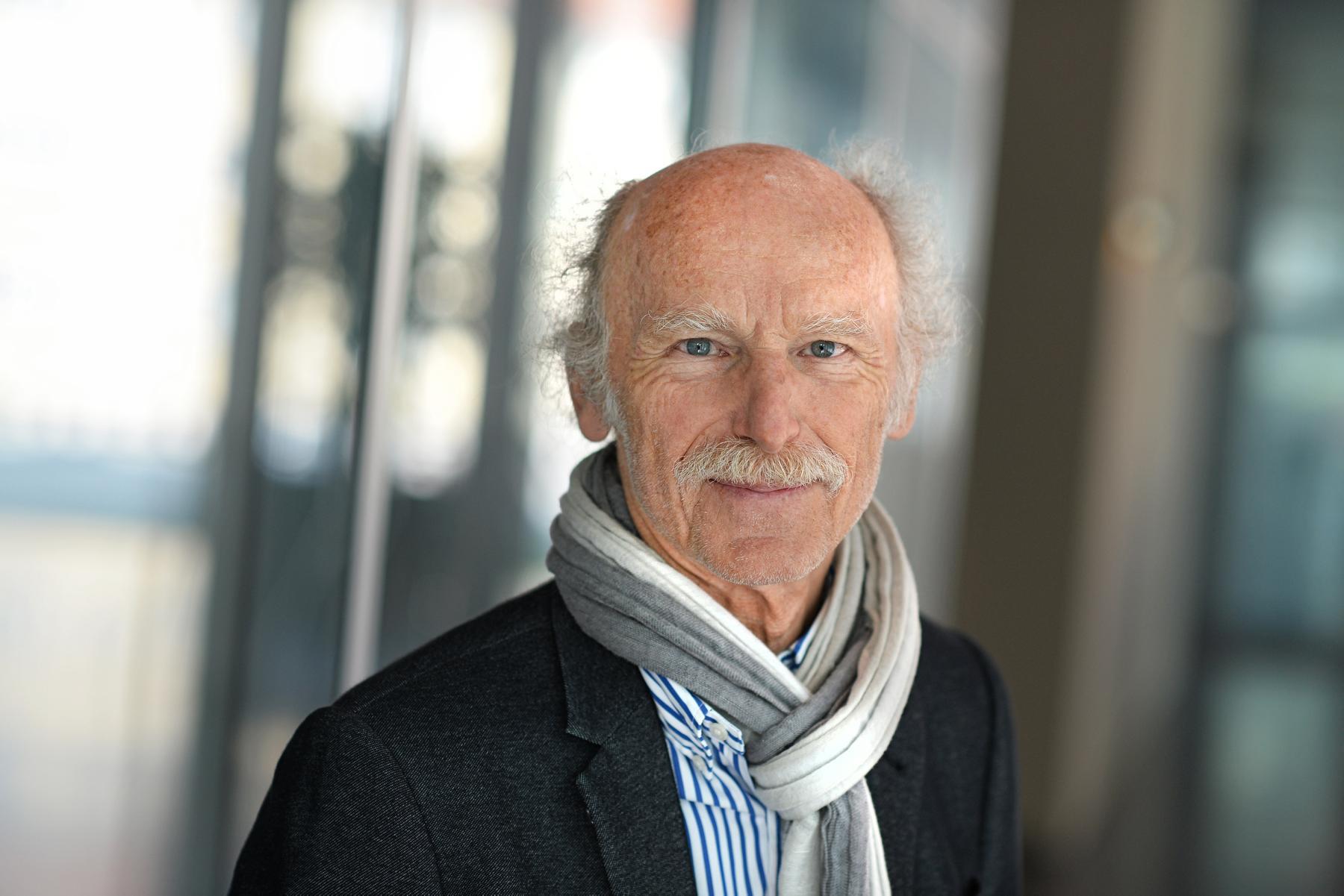 Hat viel im Bereich kinder- und Jugendmedien geforscht: Professor Günther Rager. (Foto: privat)