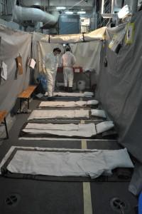 Das ist sozusagen das Krankenhaus auf dem Schiff. Es ist eher provisorisch aufgestattet. Man nennt es deswegen auch Notlazarett. (Foto: dpa)