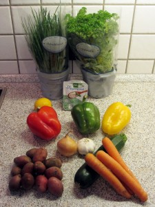 Gemüseblech mit Kräuterquark (1)