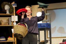 """Das Theaterstück """"Das Mädchen mit der roten Kappe"""" erzählt von der achtjährigen Halbjüdin Anna und der Zeit, als sie verfolgt wurde. (Foto: Kölner Künstler Theater)"""