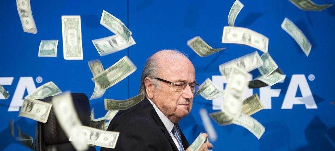Fifa-Präsident Joseph Blatter soll Platini viel Geld überwiesen haben. Das ist ethisch nicht in Ordnung, fand die Fifa, der Weltfußballverband. Aber worum geht es in der Ethihk eigentlich genau?