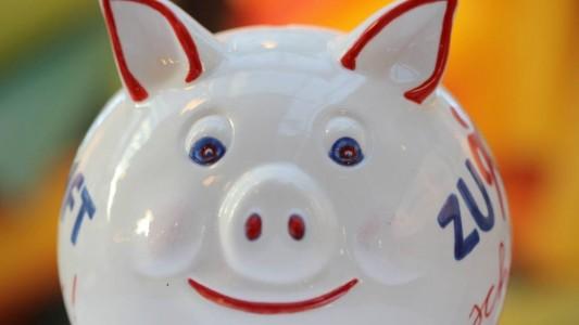 Vermögen ist zum Beispiel das, was man im Sparschwein hat. (Foto: dpa)