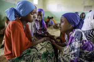 Nicht überall können Mädchen in die Schule gehen. Auch darauf soll der Weltmädchentag aufmerksam machen. (Foto: dpa)