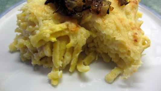 So machst du köstliche Käsespätzle