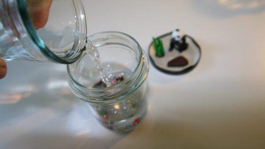 Mini-Welt im Marmeladenglas