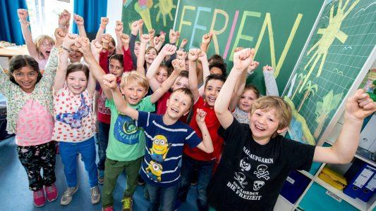 Am Freitag starten die Ferien in NRW. (Foto: dpa)