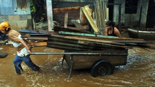 Hurrikan fegt über die Karibik