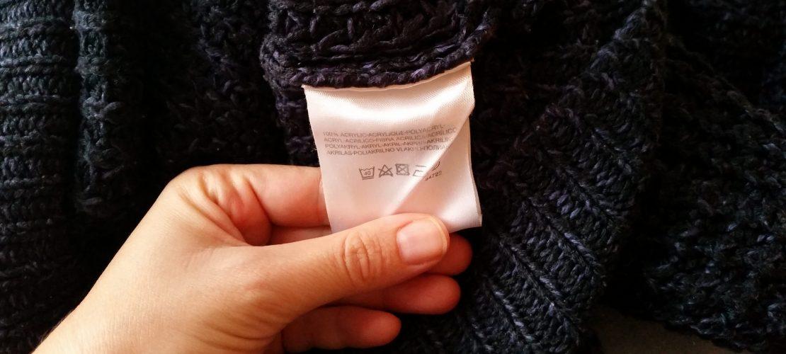 Was sagen die Zettel in meiner Kleidung?