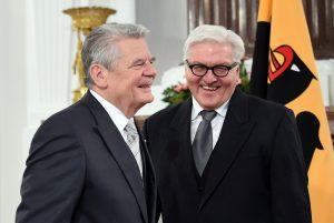 Noch ist Joachim Gauck (links) der Bundespräsident. Bald könnte es Frank-Walter Steinmeier sein (rechts). (Foto: dpa)