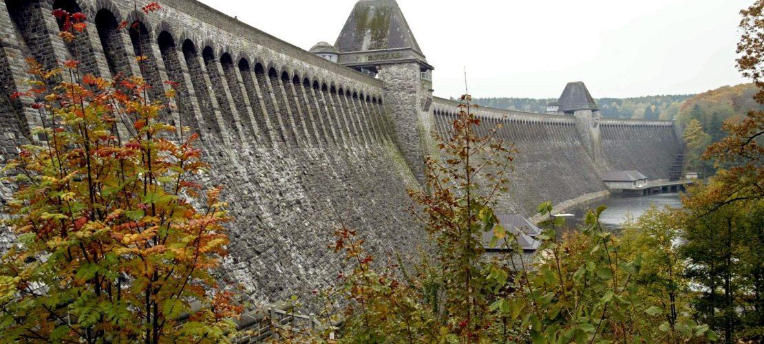 Wie macht ein Staudamm Strom?