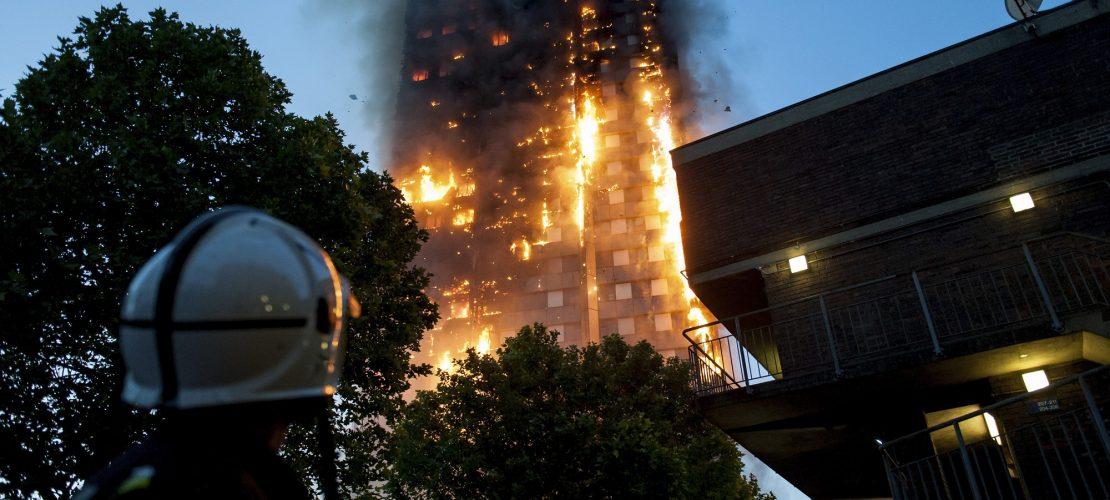 Wie löscht die Feuerwehr ein Hochhaus?