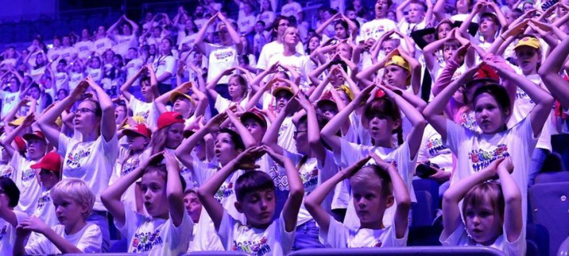 Tausende Kinder sangen gemeinsam