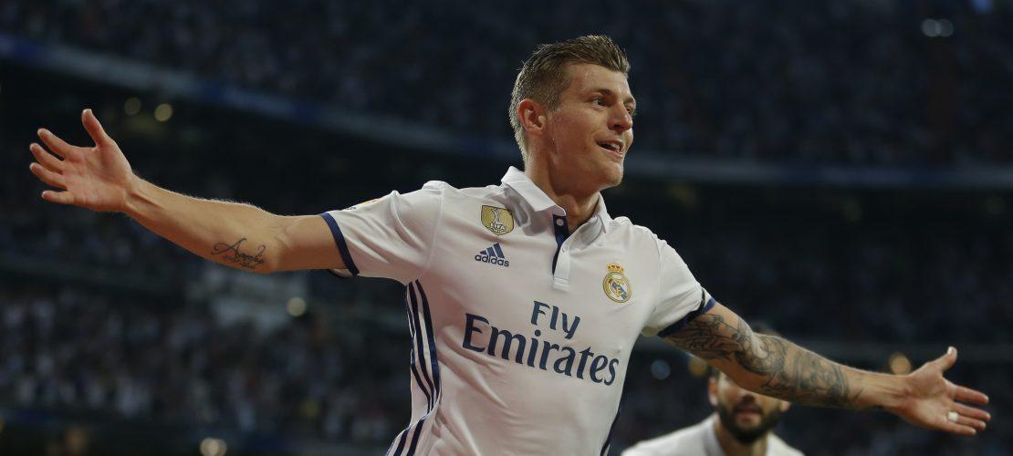 Torjubel von Toni Kroos beim Spiel Real Madrid gegen FC Sevilla. (Foto: dpa)