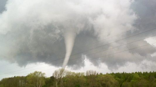 Was unterscheidet Hurrikan, Tornado und Taifun?