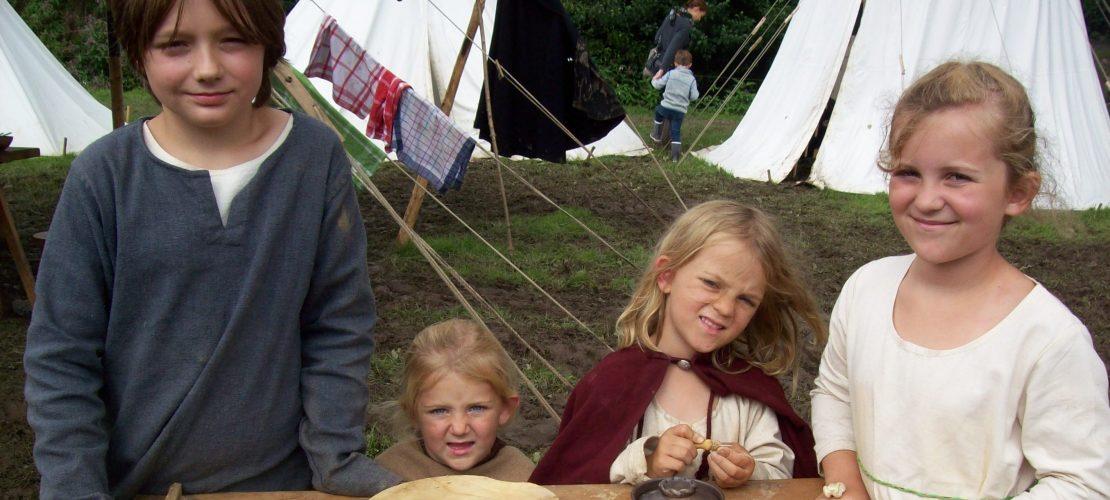 Diese Kinder leben wie im Mittelalter