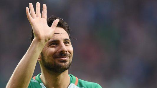 Claudio Pizarro wurde in Peru geboren, spielt aber schon seit Jahren in Deutschland Fußball. (Foto: dpa)