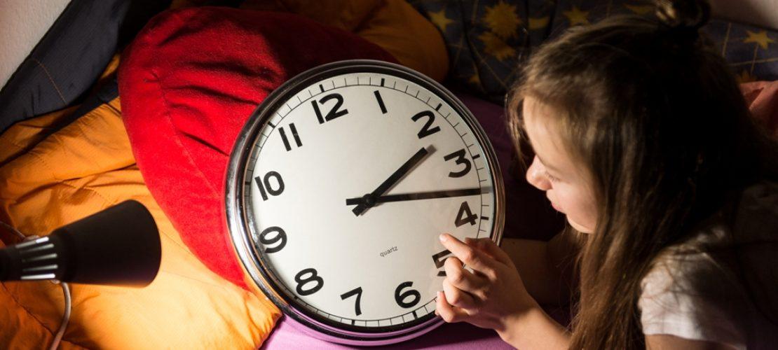 Eigentlich wollte man mit der Zeitumstellung Strom sparen. Aber irgendwie kommt sie nicht mehr gut an. (Foto: dpa)