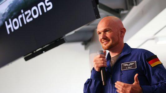 17.04.2018: Nordrhein-Westfalen, Köln: Alexander Gerst, Astronaut, spricht auf einer Pressekonferenz. (Foto: Oliver Berg/dpa)