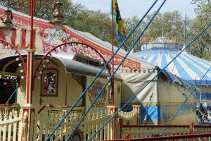 Alle 120 Mitarbeiter des Zirkus - darunter 25 Artisten - wohnen so wie Justin in einem Wohnwagen. (Foto: Rako)