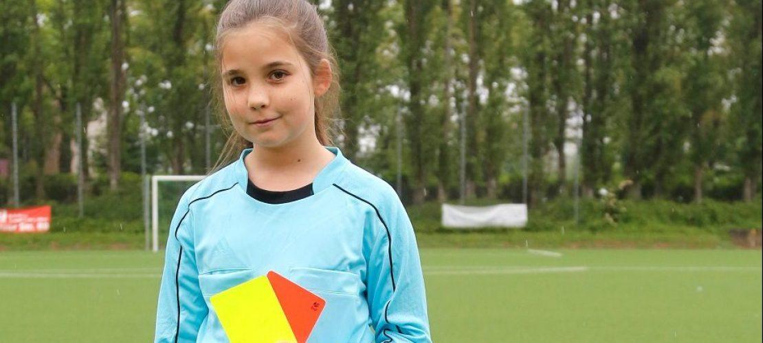 Lenja ist Schiedsrichterin. (Foto: Jennifer Wagner)