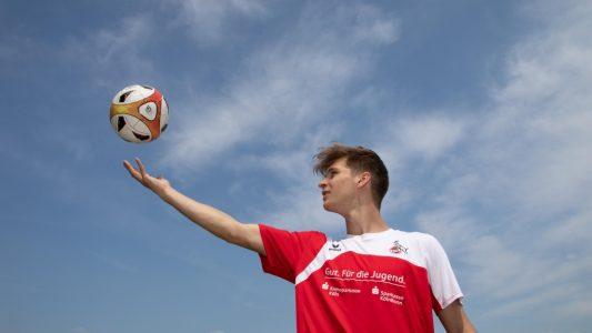 Seit drei Jahren wohnt Dominik Becker im Sportinternat. Der 18-Jährige spielt als Verteidiger beim 1. FC Köln in der Junioren-Mannschaft. (Foto: Bopp)