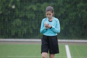 """Offiziell dürfen Kinder ab 12 Jahren als Schiedsrichter """"arbeiten"""". (Foto: Jenny Wagner)"""