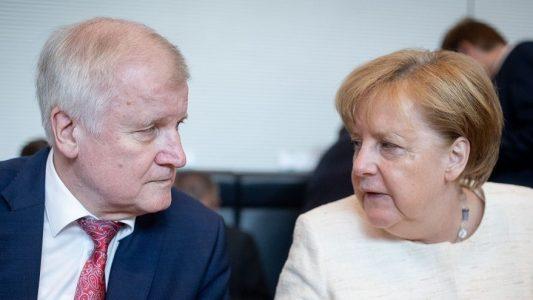Der Streit zwischen Bundeskanzlerin Angela Merkel (CDU) und Horst Seehofer (CSU), Bundesminister für Inneres, Heimat und Bau hat einige Aufregung ausgelöst. (Foto: dpa)