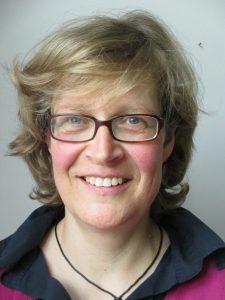 Ulrike Bausch ist Grundschullehrerin und weiß alles über Zeugnisse. (Foto: privat)