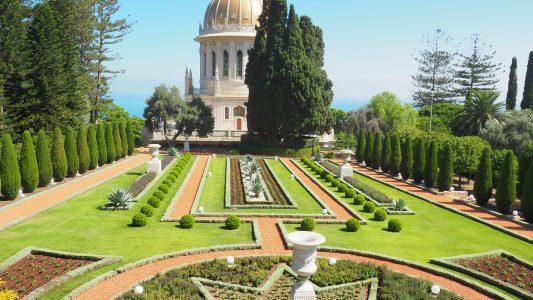 Der Schrein des Bab in den Gärten der Bahai im israelischen Haifa. (Foto: dpa)